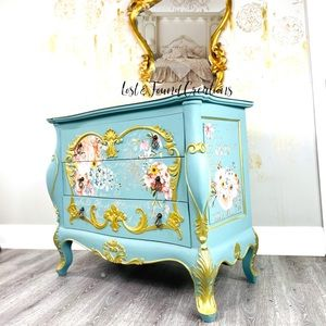 Bombay chest/ bombe chest/ chest of drawers/